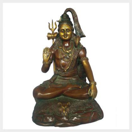 Shiva sitzend Abhaya Mudra