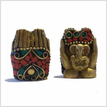 Ganesha in Hand mit Steinen Rücken