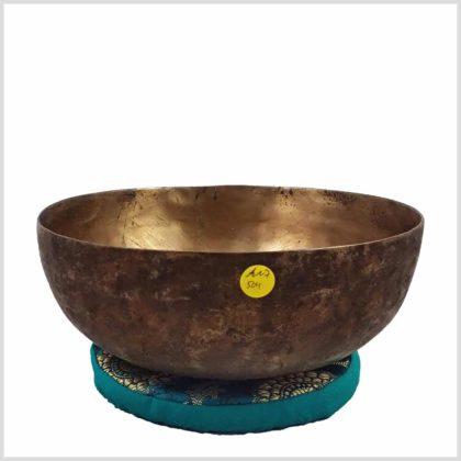 Alte tibetische Klangschale mit Patina Seitenansicht