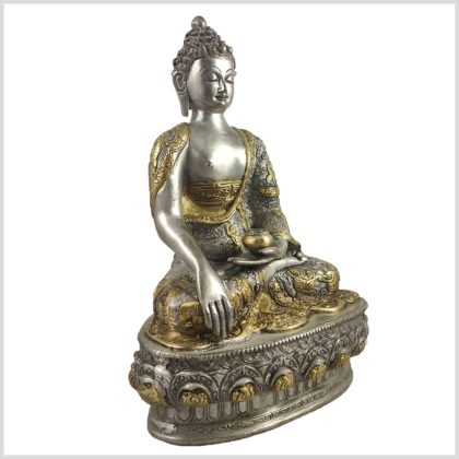 Buddha mit Erdberührungsgeste Bhumiparsha Mudra Messing versilbert Seite Links
