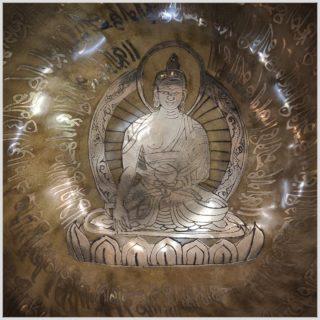 Nepal Klangschale Solarplexus Erdender Buddha 1556g Nahansicht