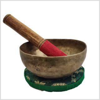 Alte tibetische Klangschale Kopfchakra 289g Seite mit Schläger