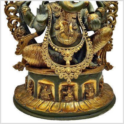 Verzierter Ganesha nepalgrün 15kg Podest