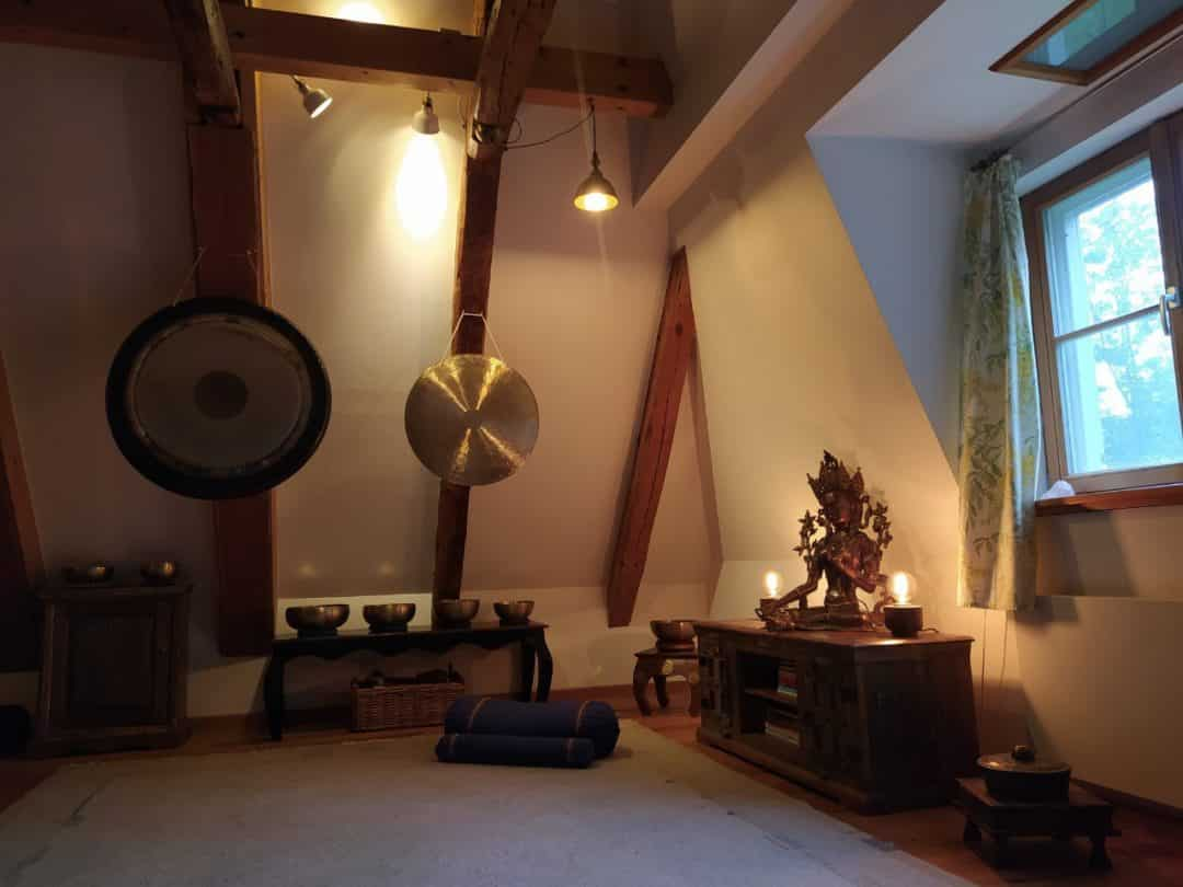 Meditationsraum mit grüner Tara