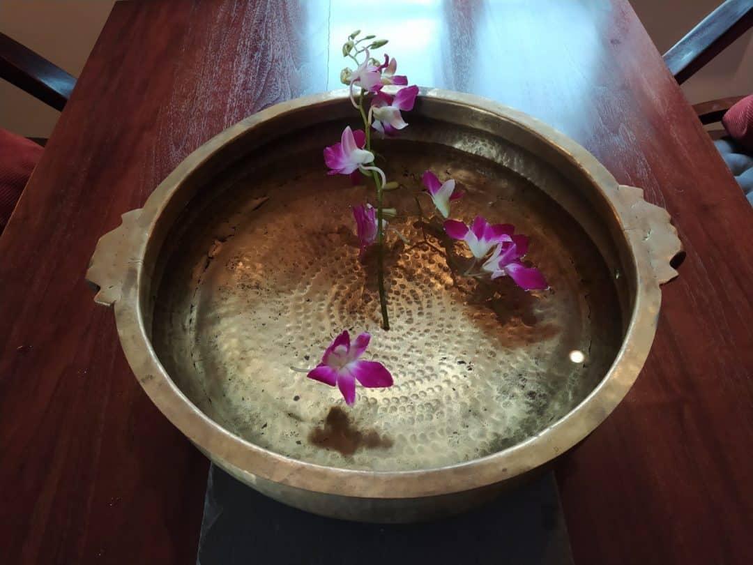 Rosenwasserschale für Ayurveda