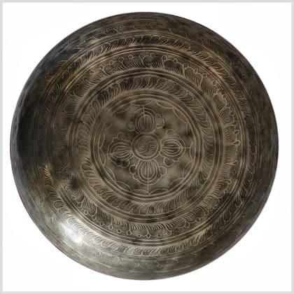 Wurzelchakra Klangschale Erdender Buddha 3199g Boden