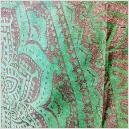 Blumen Mandala Wandtuch Grün Nahansicht